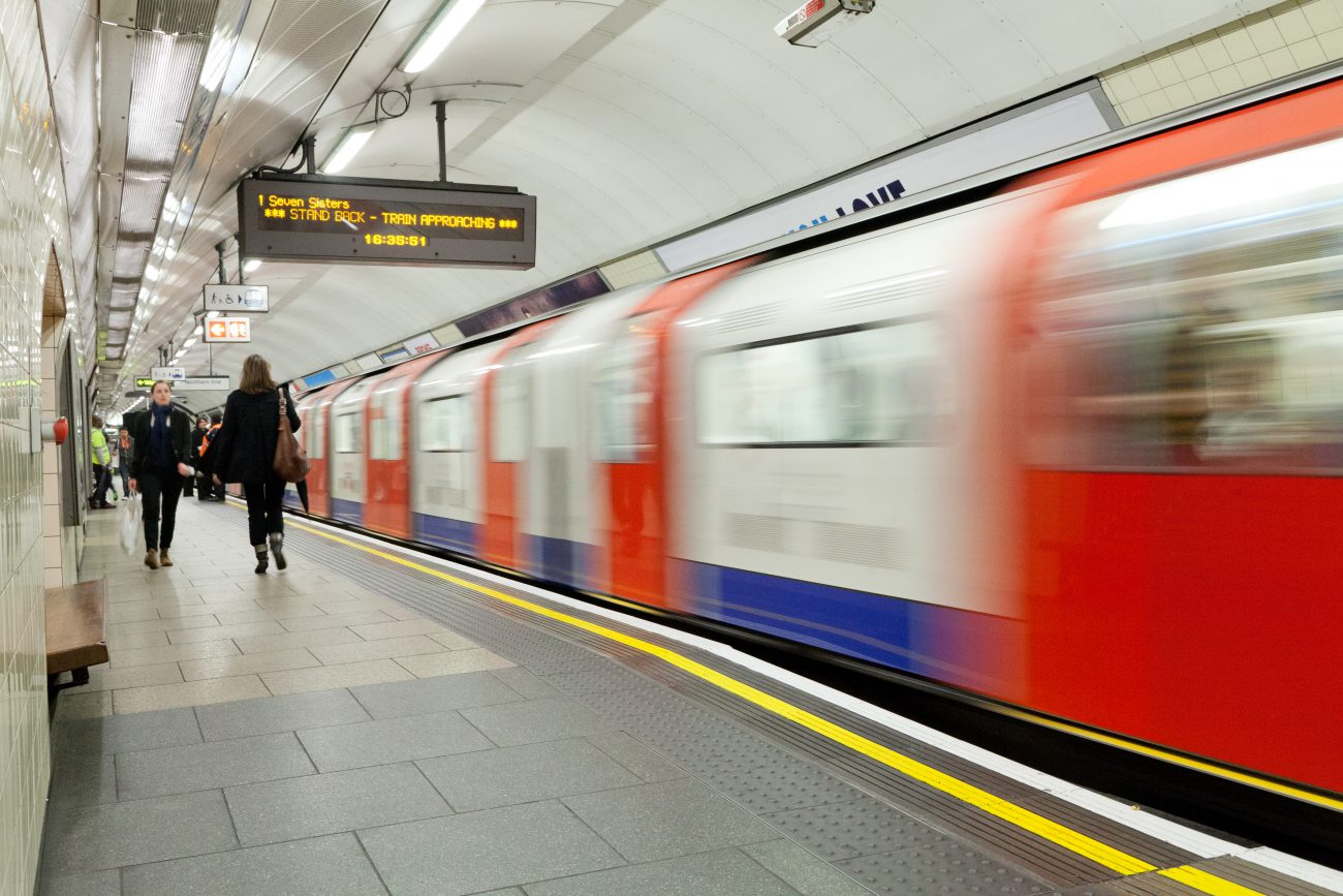Victoria line platforms at Warren Street